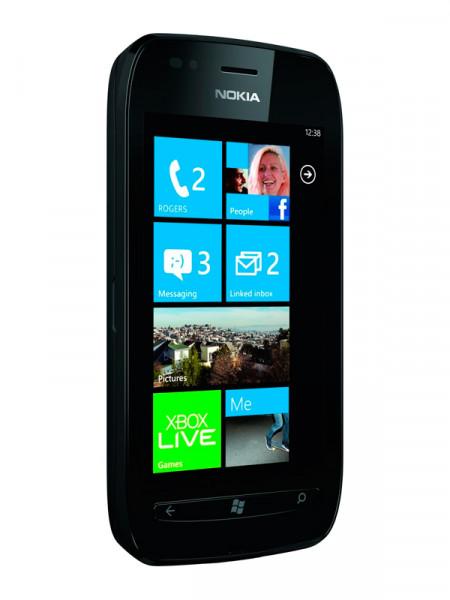 Мобильный телефон Nokia 710